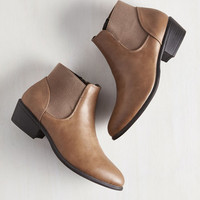 Minimal School of Walk Bootie in Fallow