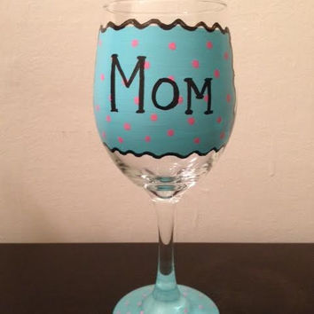 Hand-painted Mom/BestFriend/Aunt/Sister Personalized Wine Glass