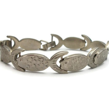 Vintage Mexico 925 Sterling Silver Fish Bracelet - Whimsical Silver Fish Shaped Panels Chain Link Bracelet Made in Mexico Size 7.5