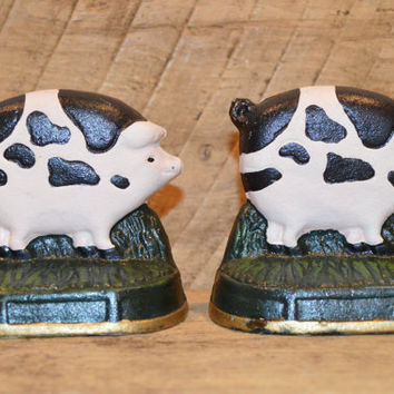 Pig Bookends, Cast Iron Pig Bookends , Pig Decor , Pig Figurine , Farm Bookend, Vintage Pig Decor , Cast Iron Bookends