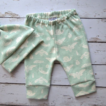 Organic Baby Clothes, Hat and pant set, Baby Leggings, gender neutral, baby outfit,  Newborn Outfit, Baby Boy Clothes, Going Home Outfit
