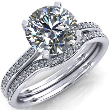 Alondra Round Moissanite Classic 4 Prong Diamond Solitaire Ring