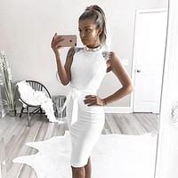 2018 Solid Color Round Neck Lace Stitching Sleeveless Dress