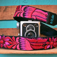 Leather camera strap with traditional Guatemalan embroidery - Paloma (Dove) in fuscia, magenta - PLC6