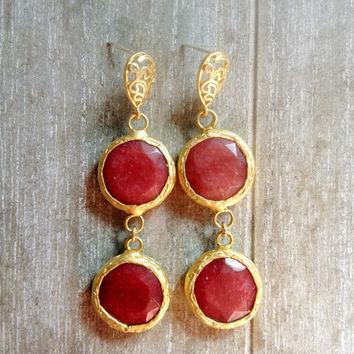 valentine love everyday jewelry long  DUAL cherry wine red  pomegranate drop jade stones gemstone earrings textured matte golden Israel