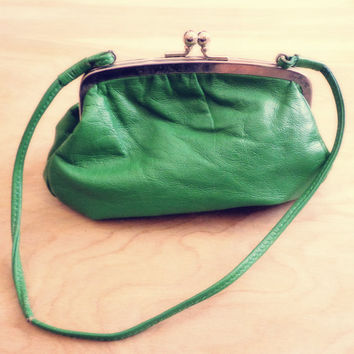 Vintage Small Green Kisslock Purse