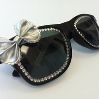 sunglasses - black and silver bow