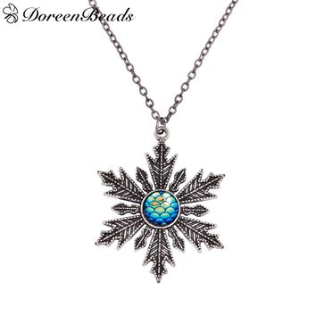 "DoreenBeads Resin Mermaid Dragon Scale Chain Necklace silver color & Gunmetal Christmas Snowflake Blue AB Color 56cm(22""),1PC"