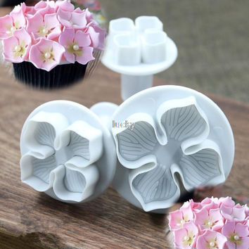 3pcs set Home DIY Bakeware Flower Plunger Cutter Molds Embossed Stamp For Fondant Cake Cookie +B