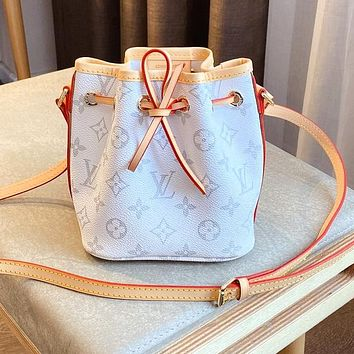 LV drawer bucket color-changing leather classic white monogram bag