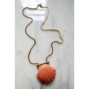 Vintage Gilded Clam Shell Necklace