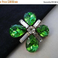 ON SALE Green Rhinestone Brooch * Vintage High End Quality Jewelry * 1950's Vintage Jewelry