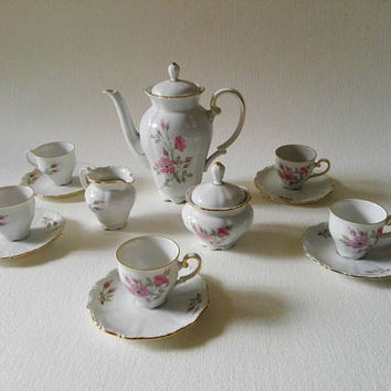 Vintage coffee cups, Made in germany, Coffee set, floral porcelain, Vintage germany,  coffee cups, porcelain cups, poppy,  tea cups, tea set