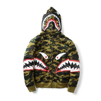 New Men's Camouflage Shark Mouth Print Hoodie Plus Cashmere Sweater Men Women Hooded Autumn Winter Jacket