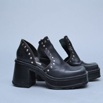 90s Cut Out Shoes Platform Sneakers Size 7 Black Leather Chunky Heel Grunge Goth Moto PUNK Silver STUDDED Steve Madden Ankle Boots