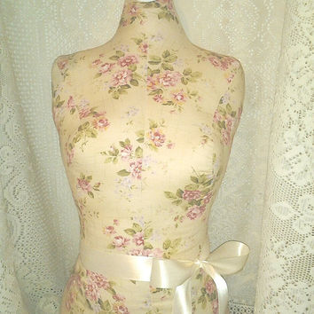Boutique dress form craft decorative designs Cream Cottage Rose Shabby chic jewelry holder table display holiday sale.