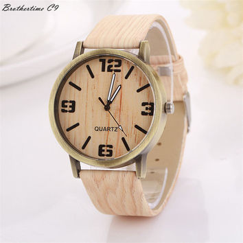 Superior New Wood Grain Watches Fashion Quartz Watch Wristwatch Gift for Women Men