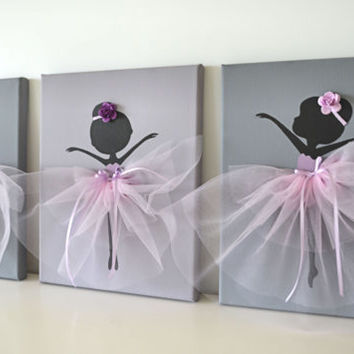 Dancing Ballerinas Wall Decor.