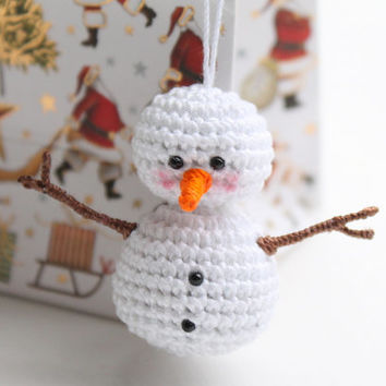 Crochet Snowman Ornament: Christmas, Winter Decor, Holiday, tiny trinket