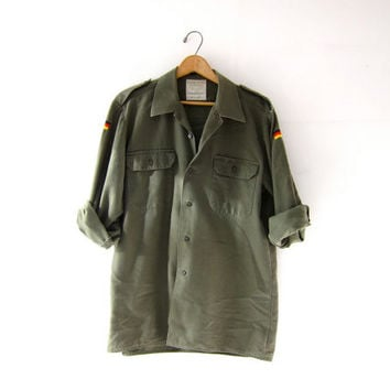 Vintage men's army shirt. military shirt jacket. button up army shirt. grunge button up shirt.
