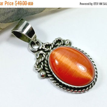 cATs EyE mOoNStONE oRANgE MeXIcO stERLiNG sILVeR pENDaNT bOLD bEAUtiFUL OraNGE Signed TA-95 Mexico 925 Fabulous Color Large Bale Thick Chain