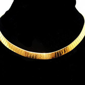 "Napier Gold Omega Choker Necklace Signed Mesh Backing 18"" Vintage Metallic Fashion"