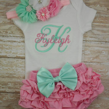 Newborn, Baby girl coming home outfit, Baby girl take home outfit, baby girl clothes, baby girl outfit, monogram, baby girl bodysuit, infant