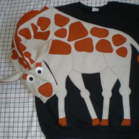CUSTOM MADE GIRAFFE sweatshirt NeW iTeM by CreativeCallipipper