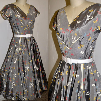 Vintage 1950s novelty butterfly print circle skirt Pinup Cocktail Party dress