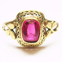 Victorian 10K Yellow Gold Ruby Leaf Ring Size 6.5