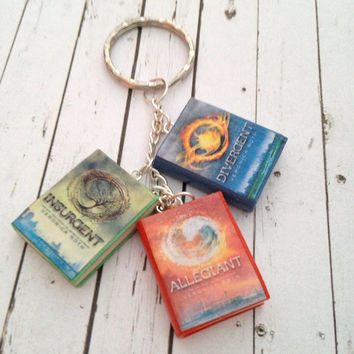 Divergent Trilogy book charm bracelet/keychain made from polymer clay.