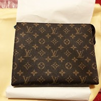 LV Vogue Women Makeup Bags Handbag Men Business Bag Louis Vuitton Classic Clutch Bag
