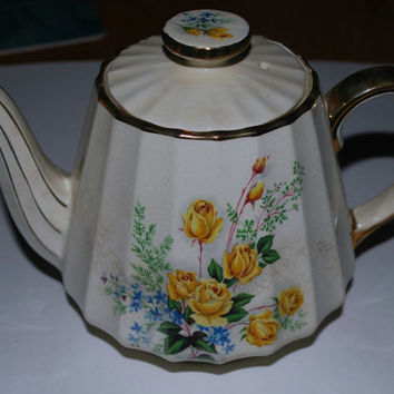 Holiday Sale sale Sadler Yellow roses Tea Pot Rare pattern