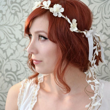 Boho floral headpiece, white flower crown, wedding headband, woodland bridal hair accessories