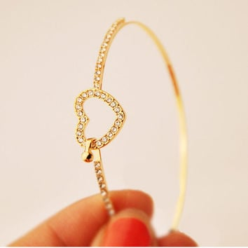 Fashion Brand Gold Women Bracelets Rhinestone Love Heart Bangles Nails Cuff Bracelet Jewelry