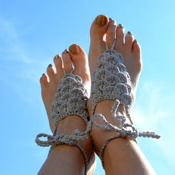 Dragon scale barefoot sandals Fantasy inspired light grey crocodile stitch crochet foot jewelry Mermaid crochet nude shoes.