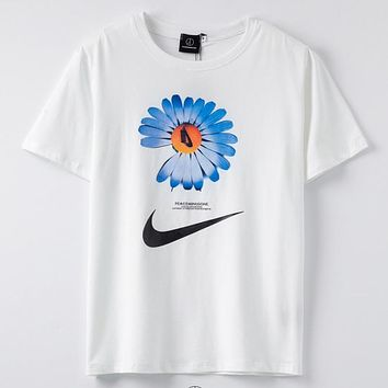 NIke & PEACEMINUSONE New fashion letter floral hook print couple top t-shirt White
