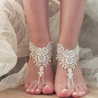 5 pairs bridesmaid gift  Free Ship ivory gold lace sandals, bridal anklet, ivory Beach wedding barefoot sandals, bangle, wedding anklet,