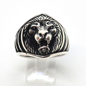 (2-5276-h9) Sterling Silver Men's Lion Ring with Black Accent.