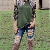 New Green Leopard Print Cut Out Long Sleeve Casual T-Shirt