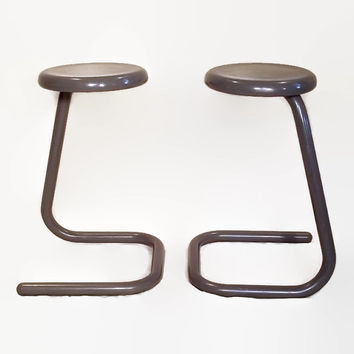Vintage Paper Clip Tube Stools - Kinetics - Retro Office - 1970s - Minimalist Design - Metal Frame - Work Seating - Gray - Pair - K700