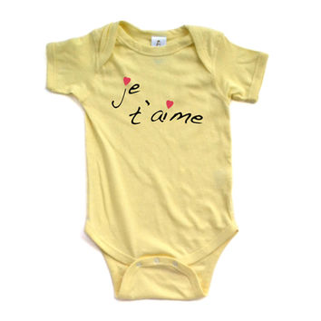 """""""Je t'aime"""" (French for """"I Love You"""") Valentine's Day Short Sleeve Baby Bodysuit"""