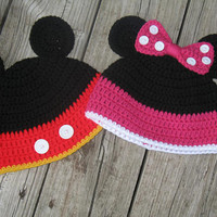 Crochet Mickey Mouse And Minnie Mouse Hat.