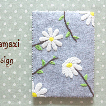 Handmade Felt Daisy Kindle Cover, Felt iPad Pro Sleeve Case, Handcrafted Cute Daisy Kindle Case, Cute Custom iPad Cover