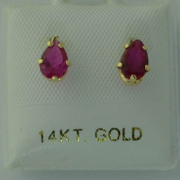 Red Oval Teardrop Stud Earrings 14k Yellow Gold Screw Backs