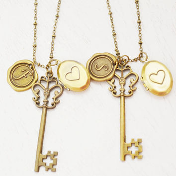 personalized skeleton key locket,bridesmaid gift,best friend gift set,key necklace,initial bff jewelry,heart locket,long necklace,locket set