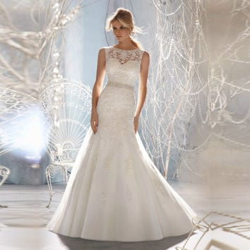 New Design A-line Sheer Neckline Embellished With Crystal Beads Tulle & Lace Wedding Dress 2017 Bridal Dress