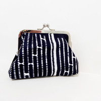 Metal Frame Pouch Coin Purse Clutch Toiletry Bag African Pattern in Black and White