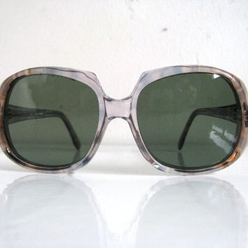 Vintage 1970s Sunglasses 70s Eyewear Blue Gray Mottled Smokey Sunnies