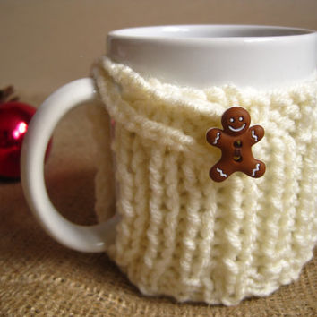 Christmas Coffee Mug Cozy with Gingerbread Man Button – Christmas Coffee Cup – Christmas Gift Idea for Her – Gifts Under 15 – Knit Mug Cozy
